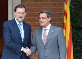 Rajoy inicia la 'vendetta' política contra el independentismo de Mas: la víctima, la lengua catalana