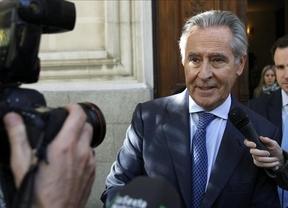 El juez Silva ve vínculos de Blesa con Aznar, su yerno y el tráfico de armas