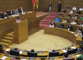 Mini diputados por un día: un grupo de niños piden en las Corts leyes para que se les protega
