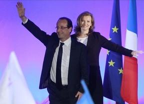 Hollande se aleja de la austeridad y proclama el