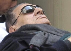 Todos pendientes de la decisión de la fiscalía egipcia que podría impedir la liberación de Mubarak