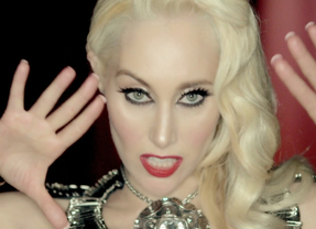 Innocence, cantante, intérprete, bailarina y ahora 'Houdini Girl' con su nuevo disco