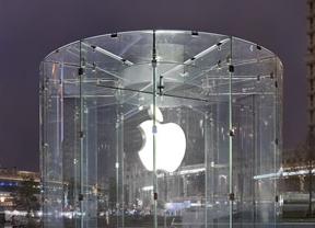 Apple patenta un sistema que evita choques al escribir en el móvil mientras se anda