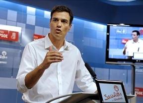 Los barones del PSOE animan a Sánchez a retrasar las primarias a 2015 para encumbrarle ante un posible adelanto electoral