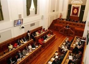 Pese a los recortes, PP y PSOE recibirán 650.000 euros para 'sus gastos' de 2011