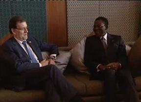 Rajoy, ahora sí, se hace la foto con Obiang en un encuentro con líderes africanos