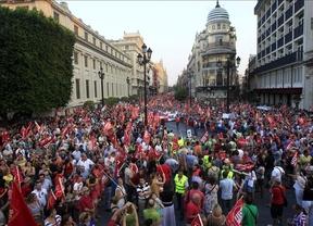 Policías, bomberos, profesores... España, colapsada por una protesta masiva contra los recortes