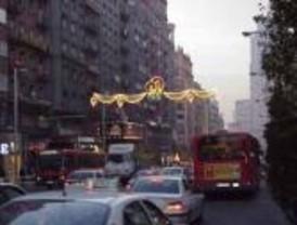 Los comerciantes madrileños aplauden que se adelante al 24 de noviembre el encendido de las luces navideñas