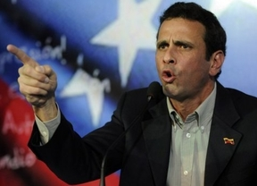 El chavismo acosa al opositor Capriles: le llaman