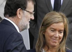Rajoy sigue defendiendo a su ministra 'caída': insiste en que Mato no está imputada por ningún delito