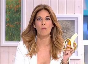 Mariló Montero se come un plátano emulando a Dani Alves para sentenciar:
