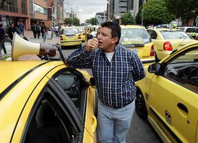Alemania da la razón a los taxistas y prohíbe la aplicación Uber
