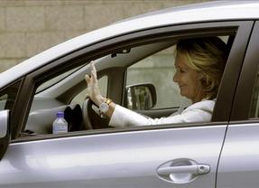 Increíble, pero cierto... el coche de Aguirre vuelve a ser multado