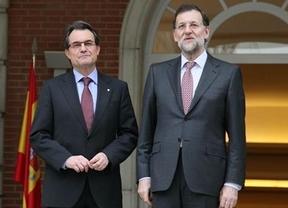Rajoy y Mas sí se hablan... por teléfono tras recibir el presidente del Gobierno la carta sobre la consulta soberanista