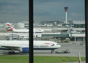 Heathrow vuelve a la normalidad tras el aterrizaje de emergencia
