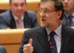 Consulta soberanista: Rajoy reta a usar la 'imaginación' mientras CiU le regala un 'best seller' catalán y el PNV le recomienda tomar nota de '8 apellidos vascos'