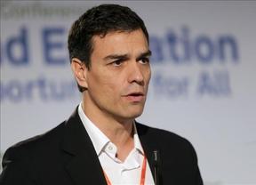 Sánchez insiste en reformar la Constitución y acusa a Rajoy de