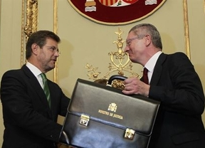 Catalá tumba casi todo el legado de Gallardón en Justicia en solo seis meses