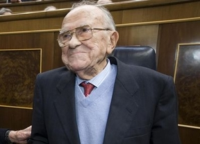 El Congreso, en pie, rinde tributo a Santiago Carrillo