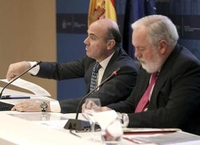 Rajoy insinúa que la crisis de Gobierno será mínima y la 'segunda' de Cañete suena fuerte para sustituirle