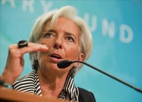 Lagarde pide a EEUU y a la Eurozona que no se duerman en los laureles para evitar una recaída de la economía