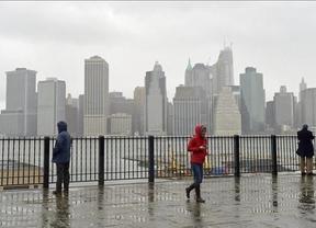 El huracán 'Sandy' causa inundaciones y cortes eléctricos en Nueva York y Nueva Jersey