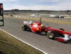 Massa vuelve a la pista tras subsanar Ferrari la avería en el F150