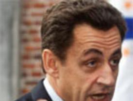 Aznar, muy discreto en San Sebastián, 'sólo' acusó al Gobierno de