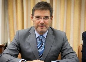 El Gobierno abre una vía de escape a Mas: no actuará contra la consulta si la cede a las asociaciones