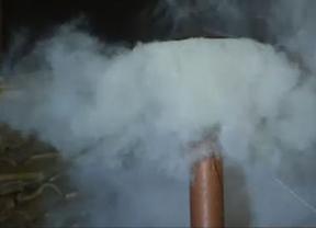 'Habemus Papam': Fumata blanca tras cinco votaciones en el cónclave