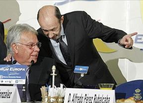 González se pone a las 'órdenes' de Rubalcaba para ser ministro de Exteriores