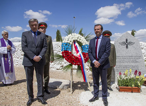 Santa Cruz de La Zarza (Toledo) recibe al embajador ruso y recuerda a los fallecidos en la Guerra Civil