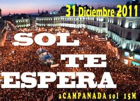 El 15M le 'lleva la contraria' al mundo: celebrará las 'acampanadas' a las uvas a las 23.00 y se vestirán de amarillo