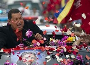 Las muchas versiones sobre la salud de Chávez: dicen que ni pudo ser operado
