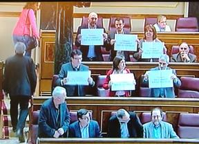 La red explota de humor cítrico contra la Policía por la actuación de Valencia