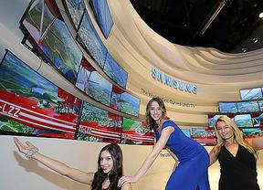 Samsung y LG presentan sus televisores flexibles que pueden incluso plegarse