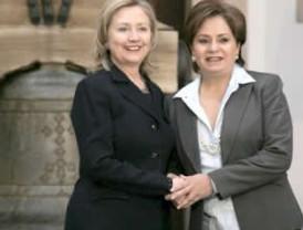 Hillary Clinton reconoció la estrategia del presidente Calderón en el combate sin cuartel a la delincuencia