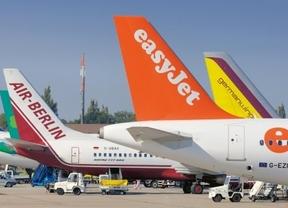 Las 'low cost' transportan 19,8 millones de pasajeros hasta julio, un 3% más