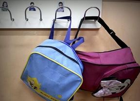 Sanidad recuerda que el contenido de las mochilas escolares no debe superar el 10% del peso del niño