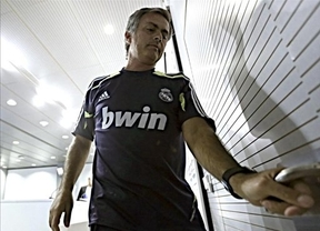 Ahora todos los ojos miran a Mourinho: la plantilla blanca amaga con un motín