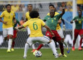 Brasil se agarra a Neymar para golear a Camerún y meterse en octavos como líder del grupo (4-1)