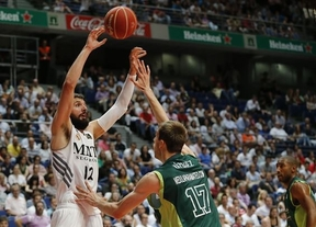 Semifinal ACB: el Madrid se complica ante Unicaja pero Mirotic decide en la prórroga (98-93)
