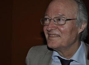 OHL aplaza la formalización del 'fichaje' de Josep Piqué, que permanece ingresado