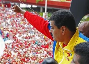 Maduro se presenta como candidato 'oficial' con