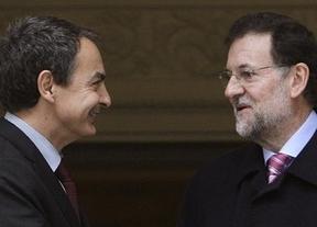 Rajoy condecora a Zapatero y a todo su gobierno