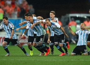 Argentina enloquece con su pase a la final del Mundial tras 24 años: