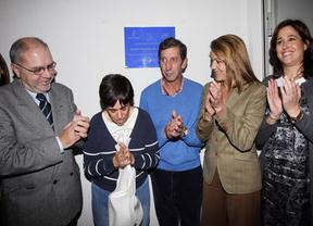 Cospedal inaugura unos pisos para discapacitados : 'Lo importante son las personas'