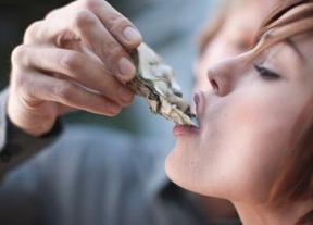 Desmontando mitos: ni las ostras son afrodisíacas ni dormir mucho engorda más