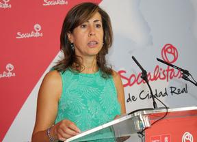 Críticas a Cospedal: Castilla-La Mancha, única región que obliga a cambiar los libros de texto