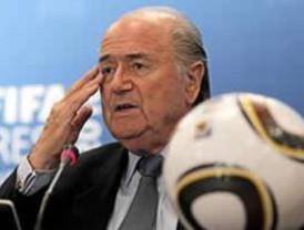 Blatter afirma que la FIFA recurrirá a la tecnología para arbitrar